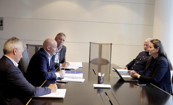 HOVEDOPPGJØR: Engere utvalg under forhandlingene med NHO Sjøfart. Foto: Tri Nguyen Dinh.