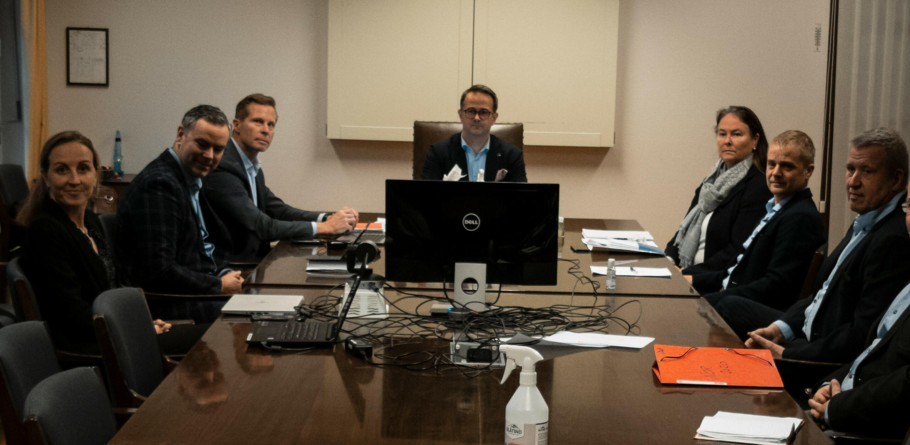 Forhandlingsdelegasjonen Dnmf, riksmekleren og NR