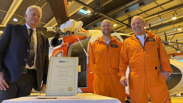 Formann for Safety Committe Odd Rune Malterud, pilot Rune Amundsen og redningsmannen Alvin Fyhn